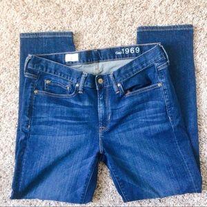 Gap sexy boyfriend jeans size 6